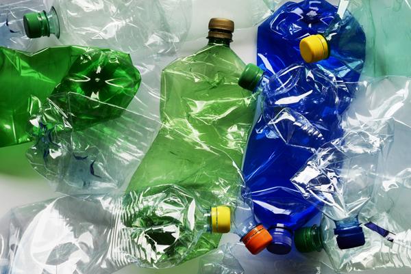 Пластиковые баллоны научились превращать  в топливо