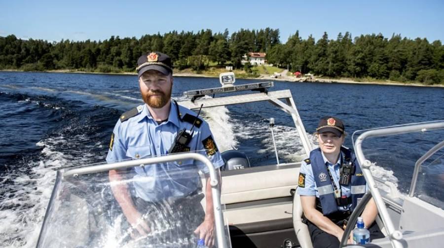 Норвежский полицейский выписал штраф самому себе за отсутствие спасательного жилета