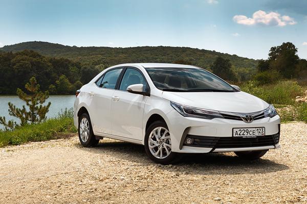 Имени себя Тест-драйв обновленной Toyota Corolla