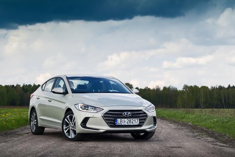 Тест-драйв Hyundai Elantra: Госпожа Стабильность