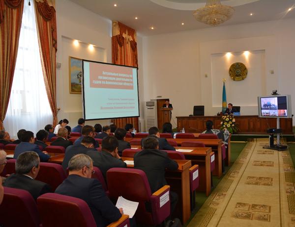 Председатель Акмолинского областного суда  провел видеосовещание в режиме онлайн