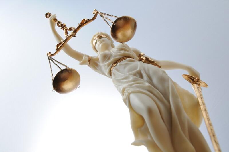 Компенсация морального вреда как способ защиты, чести, достоинства и деловой репутации гражданина