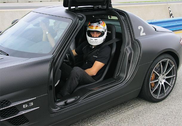 Шлемы для автомобилей станут обязательными