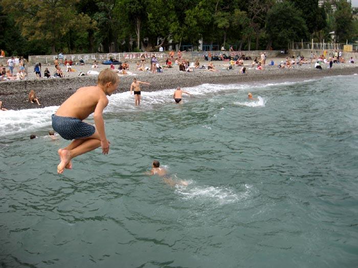 Купальный сезон: правила безопасного поведения на воде