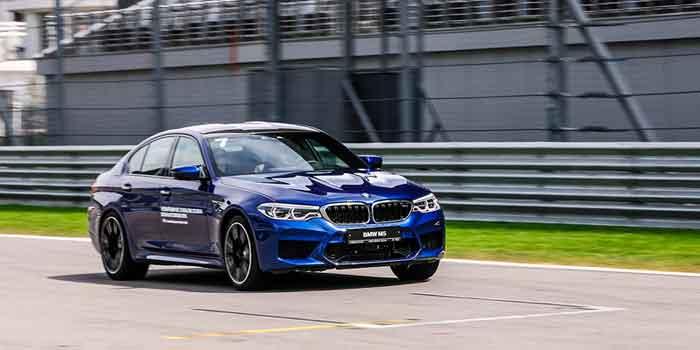 8 способов отличить новую BMW M5 от другого спортседана