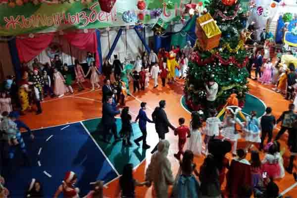 Новогодняя  елка  в Балдаурене