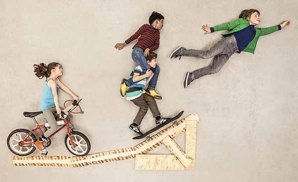 Как, защищая ребенка от одних рисков, мы подвергаем его другим