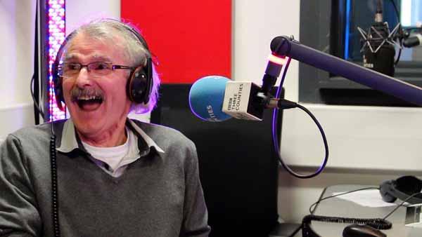 В Рождество на радио BBC в эфир выйдет 73-летний британец. Он 44 года вел новости из сарая