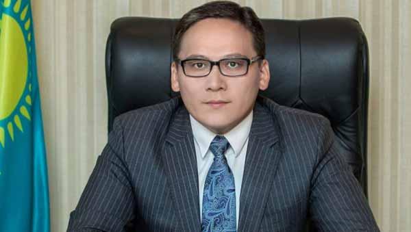 Сколько казахстанцев сидит в социальных сетях